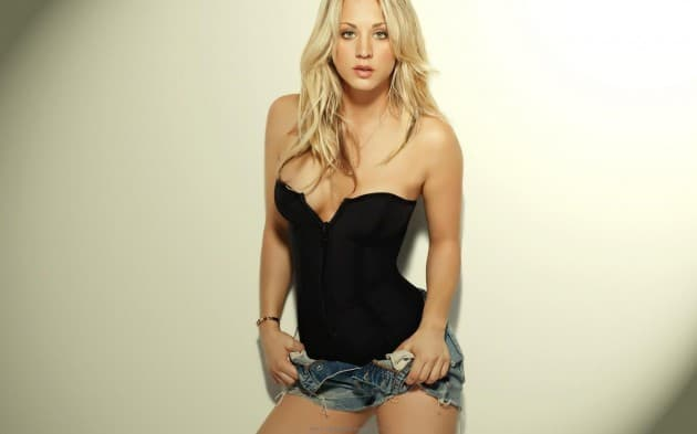 kaley-cuoco-maxim-golden-1920-1200-resolution-in